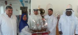 جمعية البحرين لتسامح وتعايش الأديان تقدم درع الجمعية للدكتور رمضان طنبورة رئيس جمعية الفلاح الخيرية في فلسطين