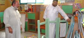 الشيخ/د. رمضان طنبورة رئيس جمعية الفلاح الخيرية يتفقد أعمال الصيانة في روضة الفلاح النموذجية والتي تعرضت لأضرار طفيفة أثناء الحرب على غزة