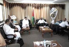 وفد من جمعية الفلاح الخيرية في زيارة لوكيل وزارة الأوقاف والشؤون الدينية الدكتور / حسن الصيفي